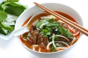 aiziaatische rundvlees soep